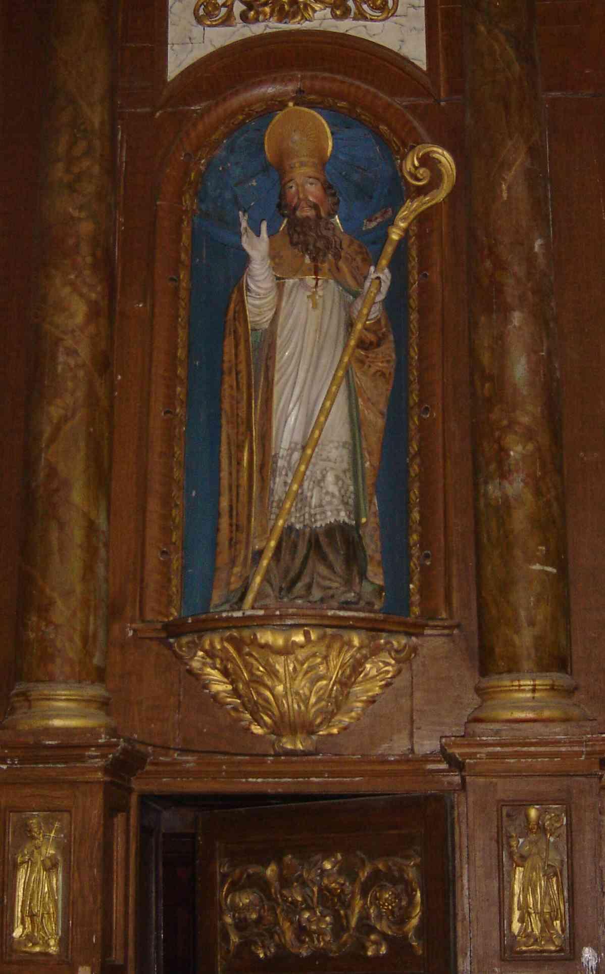 Statue av Cairnech (Carné) i kirken Saint-Pierre i Saint-Carné i Côtes d'Armor